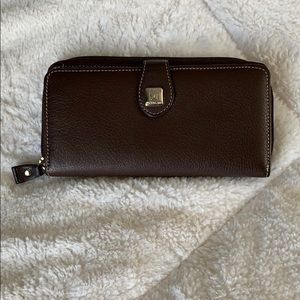 Stone Mountain Organizer Wallet. EUC.